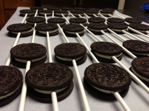 Oreo Pops -- Gaining Mommymentum