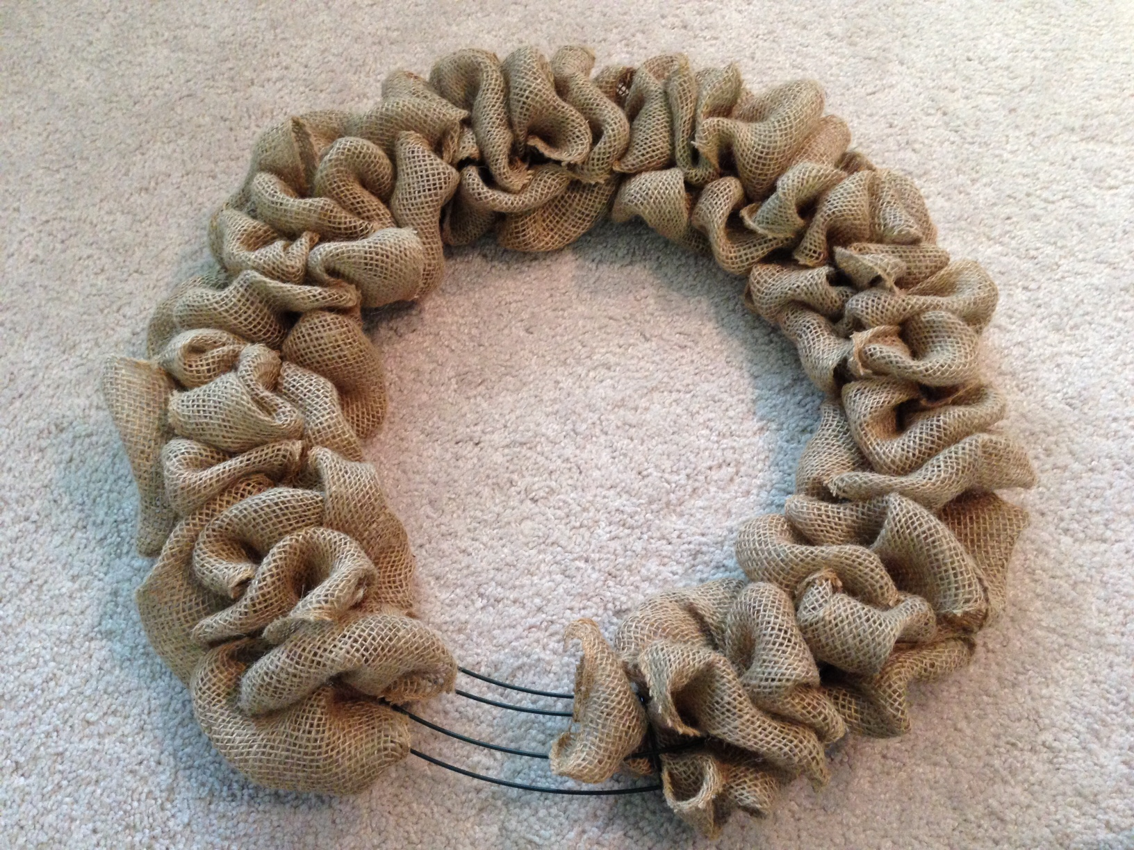 DIY Burlap Door Wreath & DIY Burlap Door Wreath | Gaining Mommymentum